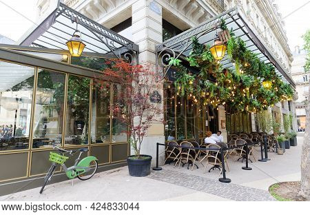 Paris, France-june 21 , 2021 : Cafe Baltard Au Louvre Is Traditional French Cafe Located In Les Hall