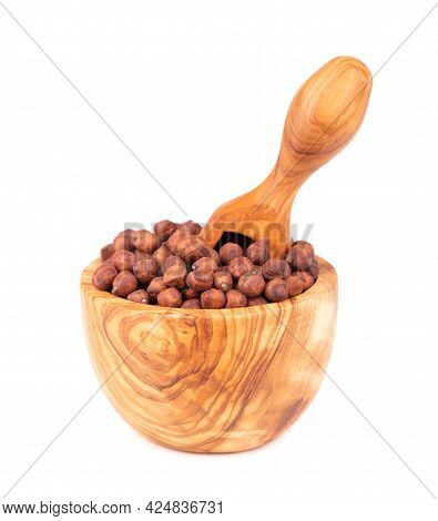 Pile Of Brown Chickpeas In Olive Bowl And Scoop, Isolated On White Background. Brown Chickpea. Garba