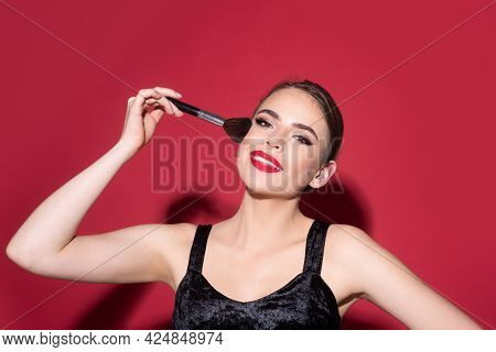 Beauty Woman With Clean Healthy Skin, Natural Make Up, Spa Concept. Beautiful Girl Holding Makeup Br