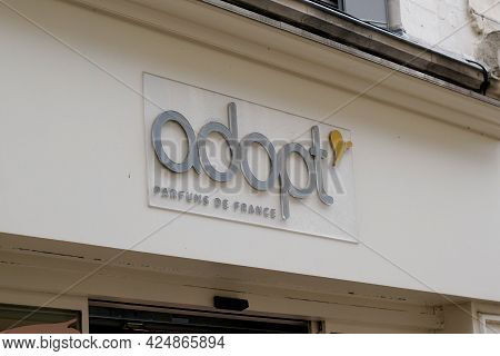 Bordeaux , Aquitaine France  - 06 20 2021 : Adopt Sign Text And Logo Brand Beauty Boutique Front Of