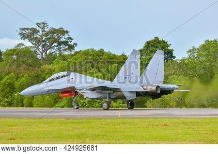 Labuan,malaysia-may 21,2021:royal Malaysia Air Force Sukhoi Su-30mkm M52-15 Flanker Fighter Bomber J