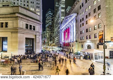 New York, Usa - October 20, 2015: People Join The Party At Wall Street Due To Successful Ferrari  Wa