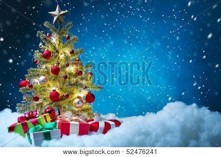 Árvore de Natal com enfeites, conceito de Natal.