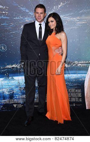LOS ANGELES - FEB 02:  Channing Tatum & Jenna Dewan-Tatum arrives to the