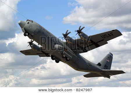 Farnborough Airshow 2010 - C130 Hercules