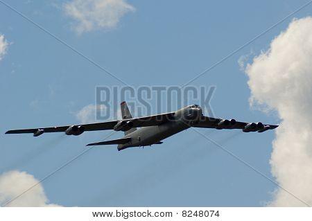 Farnborough Airshow 2010 - B52 Stratofortress