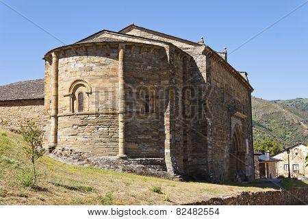 Apse Of The Santiago Church In Villafranca Del Bierzo.