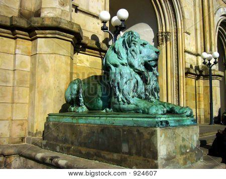 Bronze_Lion