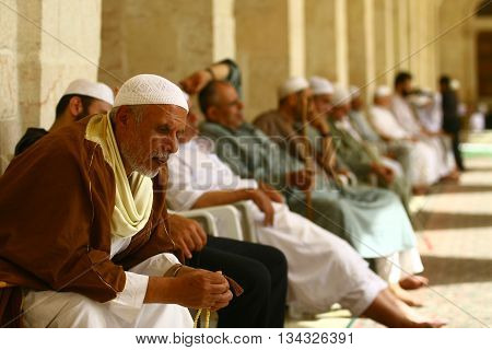 ALEPPO,SYRIA-OCTOBER 12: Muslims are waiting for the call to prayer at the Umayyad Mosque on October 12, 2007 in Aleppo,Syria.