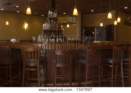 Round Teak Bar