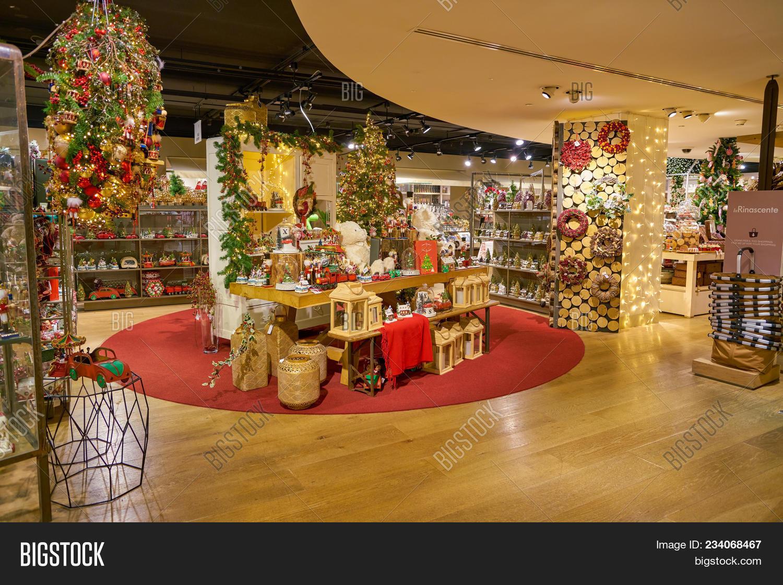milan italy circa november 2017 christmas decorations on display at rinascente shopping