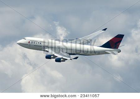 Boeing 747 departure JFK