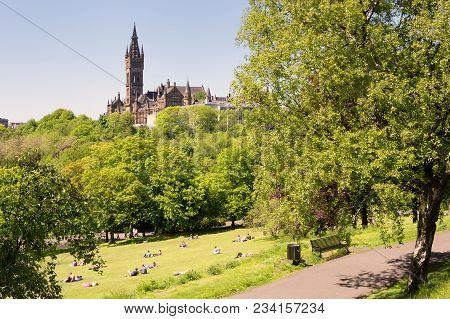 Glasgow Scotland Uk: June 10, 2015 - Young People, Students Of The University Of Glasgow Enjoying A