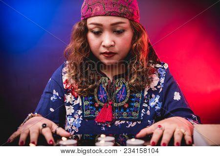 Female Woman Seer Teller Psychic Fortuneteller
