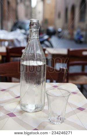 Free Cold Water In Cafein Rome Italy
