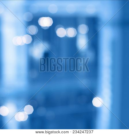 De-focuses business center interior. Blur light background.