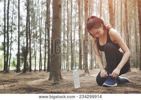 Asian Women Fitness Woman Runner Tying Shoelaces,happy Enjoying Freedom Active Healthy Lifestyle Str