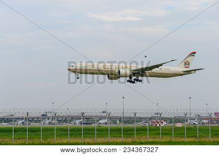 Bangkok, Thailand - July 30, 2017: Etihad Plane Landing To Runways At Suvarnabhumi International Air