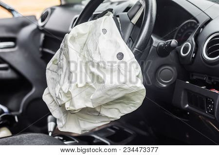Airbag Exploded At A Car Accident,car Crash Air Bag,airbag Work