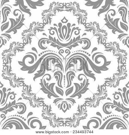 Classic Seamless Vector Pattern. Damask Orient Silver Ornament. Classic Vintage Background. Orient O