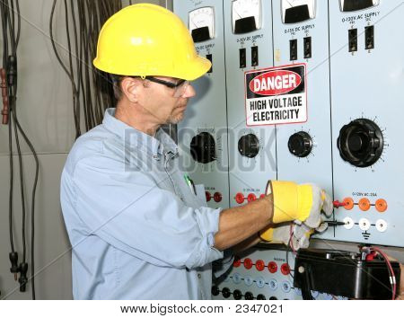Electrician High Voltage