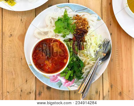 Northern Thai Food (kanom Jeen Nam Ngeaw), Spicy Rice Noodles Soup, Rice Vermicelli Served With Curr
