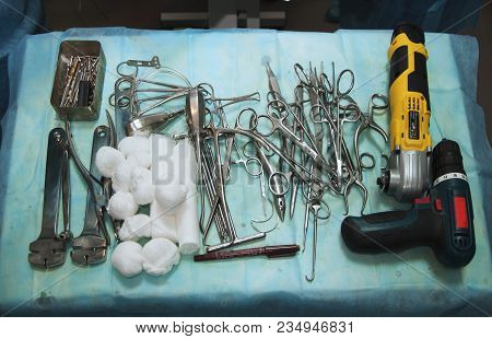 Surgical Instruments (osteotomy, Surgical, Bandage, Tweezers, Scalpel)