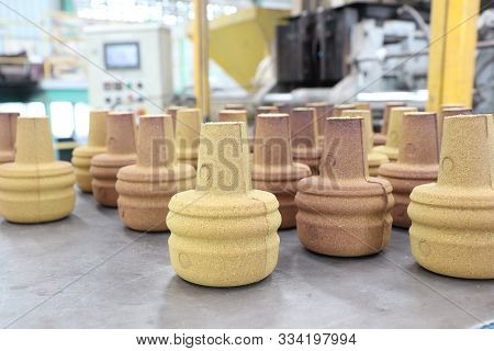 Resin Coated Sand Products For Casting Process ;industrial Manufacturing Equipment Background