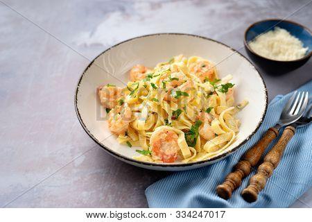 Tasty Creamy Shrimp Fettuccine Alfredo With Parmesan