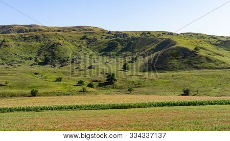 Landscape Of A Magnificent Plain In Summer.landscape Of A Magnificent Plain In Summer