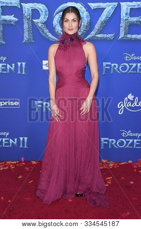 LOS ANGELES - NOV 07:  Rachel Matthews arrives for the 'Frozen II' Premiere on November 07, 2019 in Hollywood, CA