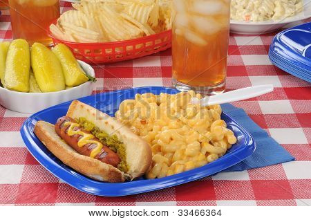 Grilled Hot Dog With Macaroni And Cheese