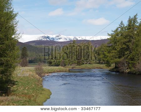 River Dee , East Of Braemar, Scotland.