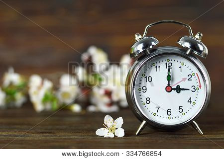 Spring Forward. Daylight Saving Time. Summer Time Change