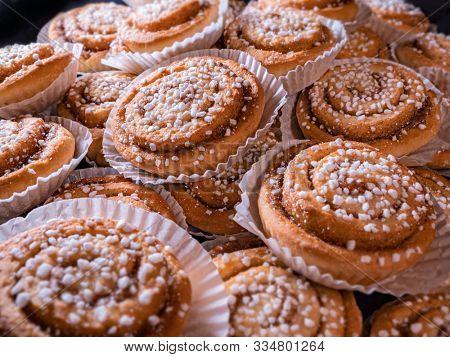 Freshly baked homade cinnamon rolls buns
