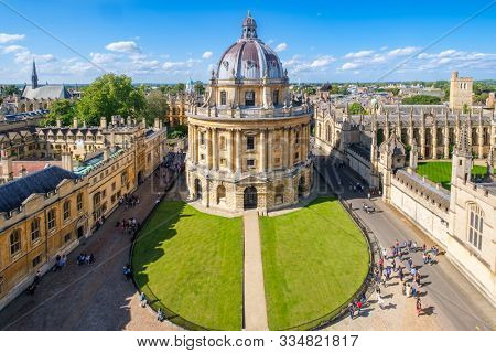 OXFORD,UK - JULY 17,2019 : The city of Oxford and the Radcliffe Camera, a symbol of the University of Oxford