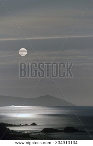 Harvest Moon 2019 Rises Over The Rame Peninsula, Cornwall, Uk