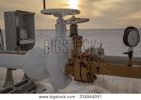 Oil, Gas Industry. Group Wellheads And Valve Armature , Gas Valve, Gas Well Of High Pressure; Gas Pr