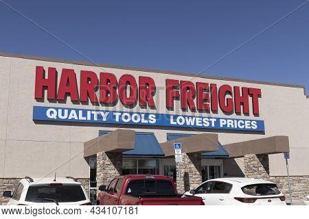 Gallup - Circa September 2021: Harbor Freight Tools Strip Mall Location. Harbor Freight Tools Is A D