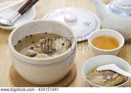 Taiwanese mountain pepper chicken soup