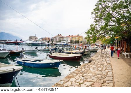 Montenegro, Budva - September 20, 2021: Marina For Sailing Yachts And Boats Overlooking The Old Town