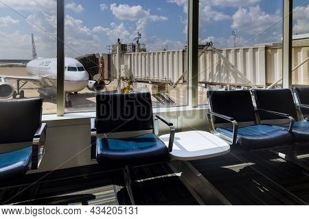 20 September 2021 Houston, Tx Usa: View Of Departure Area Waiting Chairs Airplanes From United Airli