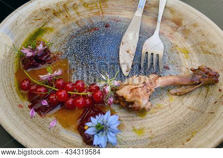 Dirty Plate After A Meal In A Cafe Or Restaurant