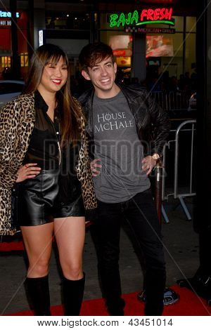LOS ANGELES - MAR 18:  Jenna Ushkowitz, Kevin McHale arrive at