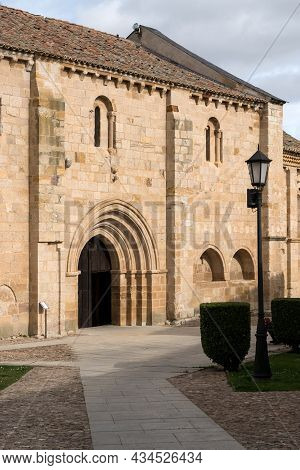 Zamora, Spain - February 02, 2020: View Of The Romanesque Cathedral And Bell Towers And The Old Town