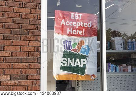 Marion - Circa September 2021: Snap And Ebt Accepted Here Sign. Snap And Food Stamps Provide Nutriti