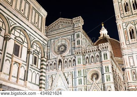 Florence, Italy - Circa August 2021: Florence By Night. The  Illuminated Architecture Of The Famous