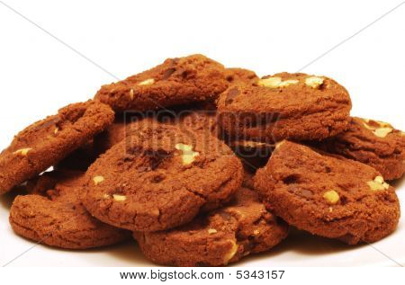 Dutch Chocolate Chip Cookies With Walnuts