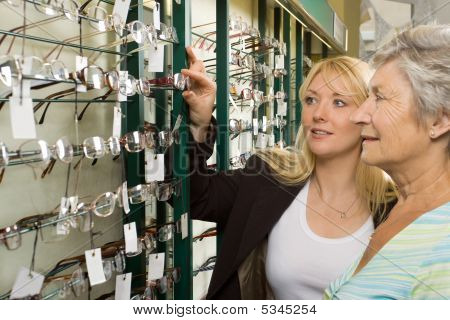 Choosing Glasses At The Optician