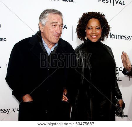 NEW YORK-APR 16: Robert De Niro and Grace Hightower at the world premiere of